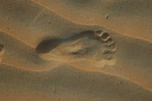 Fodaftryk i sand
