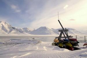 Kajakker venter på foråret, Longyearbyen
