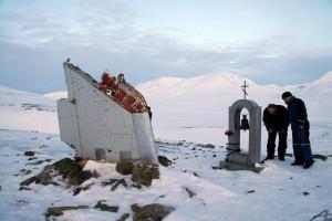 Mindesmærke efter russisk flystyrt med Tupolev, nær Longyearbyen