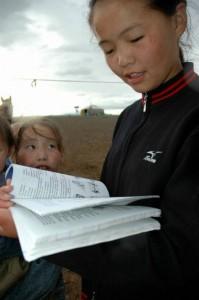 Pige med bog Mongoliet