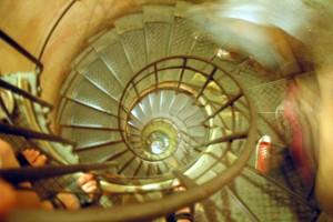 Trappe i Triumfbuen, Paris