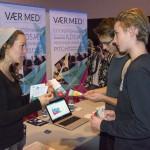 Kathrine Skovsgaard reklamerer for det årlige iværsætterseminar på Læsø