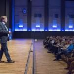 Iværksætterkoordinator Hans Peter Wolsing forklarer den nye iværksætterordning, der træder i kraft 1. januar 2016