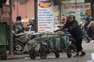 Morgen i Hanoi - butikken skal køres ud
