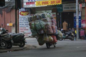 Læs på scooter - Hanoi