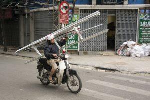 Stige på scooter, Hanoi