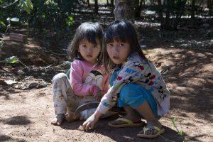 Jarai-børn nær Kon Tum