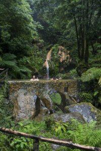 Der er varme kilder flere steder på Azorerne. Her Miradouro da Bela Vista.